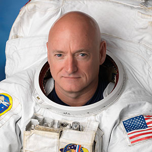 Captain Scott Kelly Keynotes at OOSS Perspective 2019 @ ASCRS/ASOA San Diego